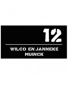 mat zwart kunststof naambord uitgesneden tekst en nummer horizontaal 30x15cm