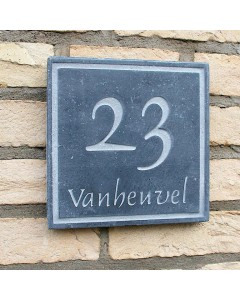 natuursteen huisnummer + achternaam style4 18x18cm